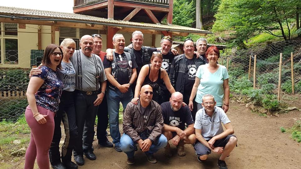 Das Team des Kinderhaus Pegnitztal mit den Bikern